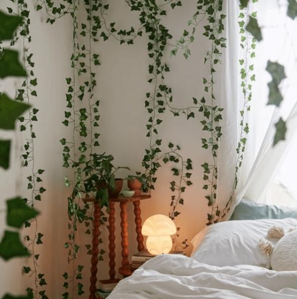 Wall vines